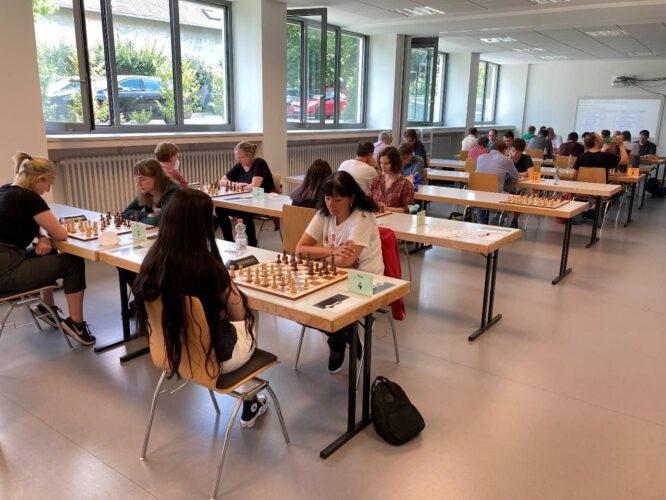 Charlotte Sanati und Martin Heider sind RLP-Schnellschachmeister